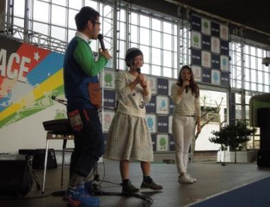 0329-stage.JPG